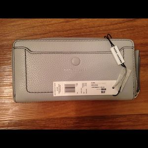 Marc Jacobs light grey wallet